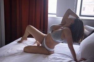 Cherrine incall escort & sex contacts