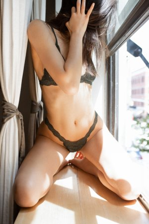 Kaliana incall escort