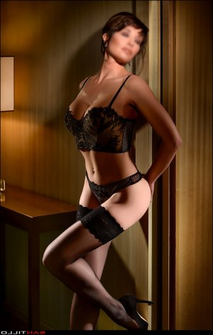 Yeline adult dating in Rutherford & outcall escort