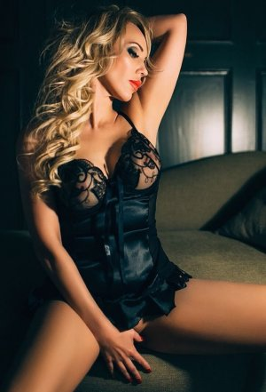 Leilah escort in Lincoln California, sex clubs